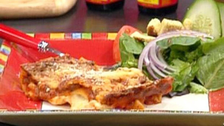 Aprende a hacer deliciosa lasagna con carne.