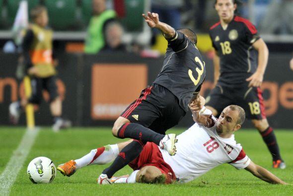 Se logró un nuevo empate a 1 con Polonia, donde el 'Chicharito' volvió a...