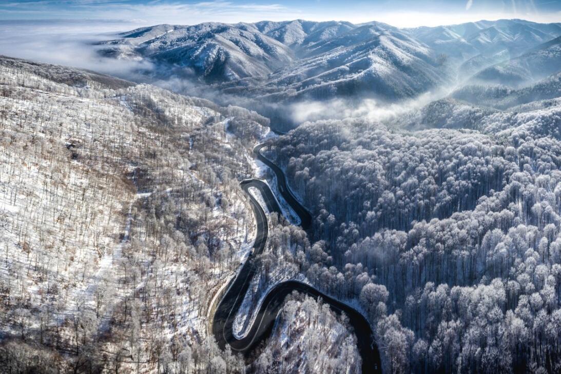 Las 23 mejores fotos tomadas con drones este 2017  Road to Transylvania...