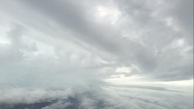 Los aviones cazahuracanes que se meten a las tormentas para conocerlas desde dentro