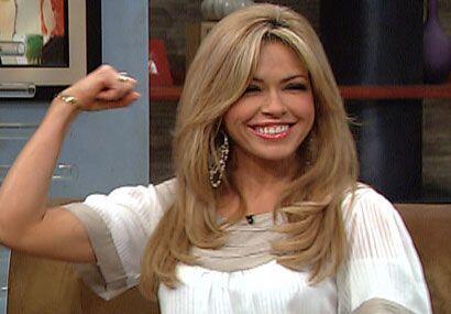 Claudia le mostró al Gordo su tono muscular.