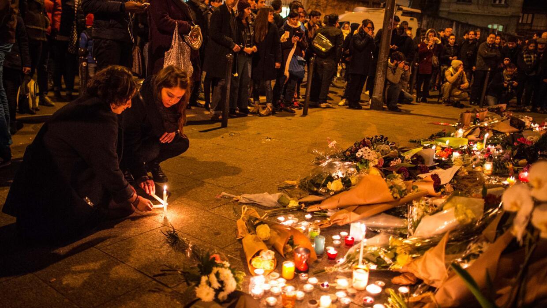 Homenaje a las víctimas, París