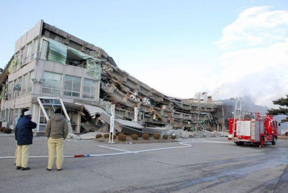 El Centro estadounidense de vigilancia de tsunamis alertó sobre un pelig...