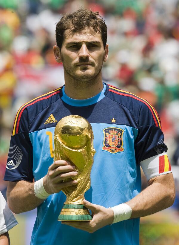 7. Iker Casillas (España) - 167 partidos