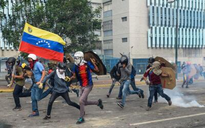 Las protestas en Venezuela no paran desde que la Asamblea Nacional de ma...