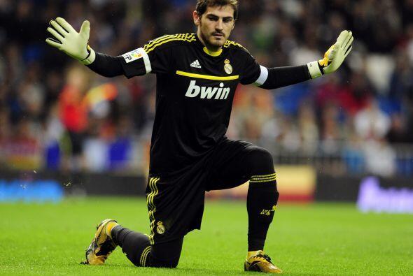 El portero de Real Madrid y de la selección española se ha mantenido con...
