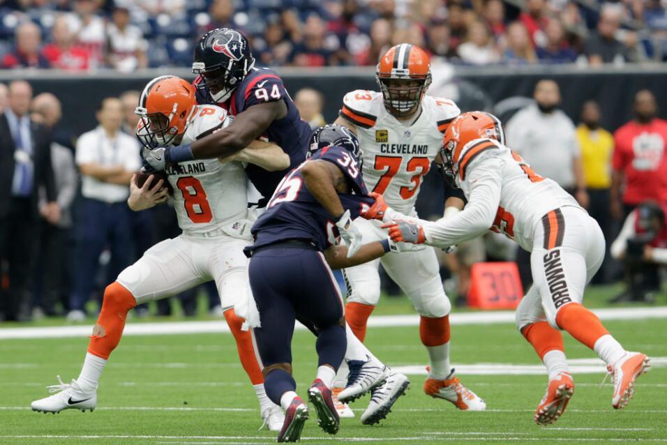 Cleveland realizó otro cambio de quarterback esta semana, enviand...