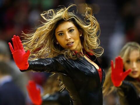"""Las porristas se """"encueraron"""", las bailarinas mostraron que todav&iacute..."""