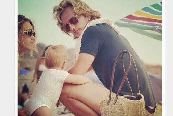 Ivan Rakitic colgó en la red esta foto donde aparece con su familia en l...