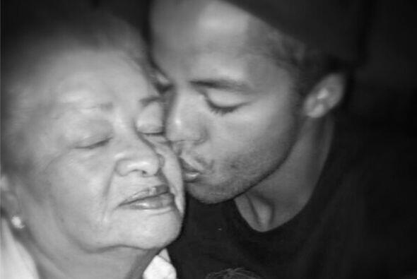 Giovani dos Santos mostró el gran cariño por su abuela: ''Aquí con una d...