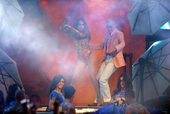 El cierre de su musical junto a Pitbull fue tan inesperado que quedó en...