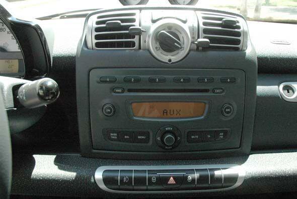 smart Fortwo 2010 e6f502316aae42c5aaa021d4dc95ba0b.jpg