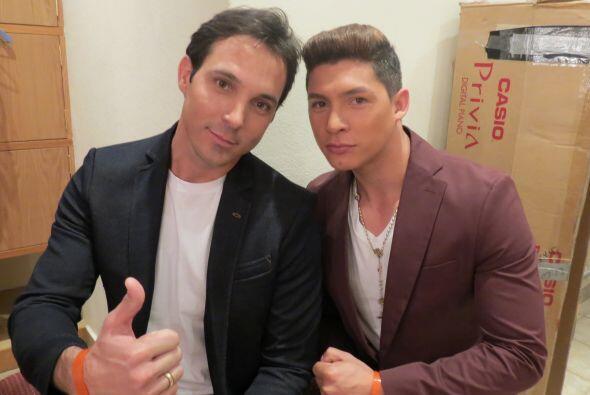 Danny con Raúl Rodriguez, quien quedó eliminado esa noche.