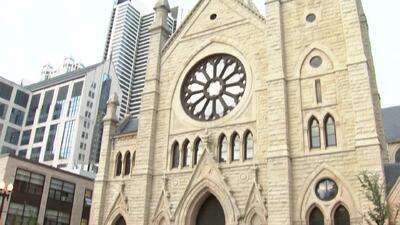 'Chicago en un Minuto': Se presentan en corte los acusados de robar dinero de la Catedral del Santo Nombre