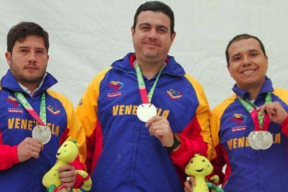 Los representantes de Venezuela, Felipe Beuvrín y Douglas Gómez, hiciero...