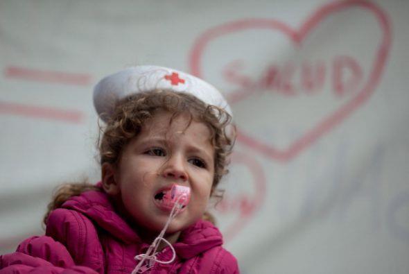 Como ella, doctores, enfermeros y también usuarios de la sanidad pública...