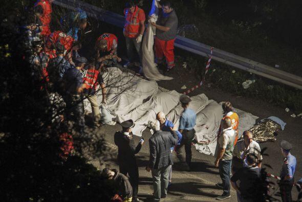 Una nueva tragedia vuelve a enlutar a Europa. Al menos 39 personas falle...