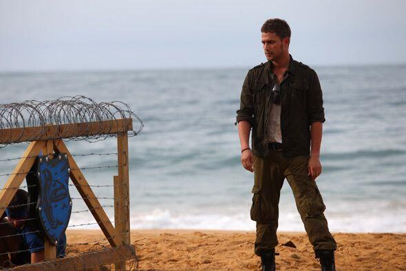 """El trabajo que realiza Michel Brown en la playa de """"Desafío"""" puede ser a..."""