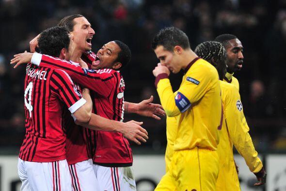 Sólo hubo un equipo en la cancha y dicho conjunto vistió de 'rossoneri',