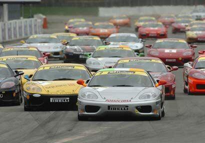 Si uno es amante de los Ferrari, este tipo de eventos es el cielo en la...