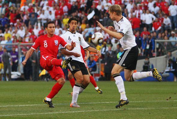 Durante el campeonato Mundial del 2010 se repitió la historia. El inglés...