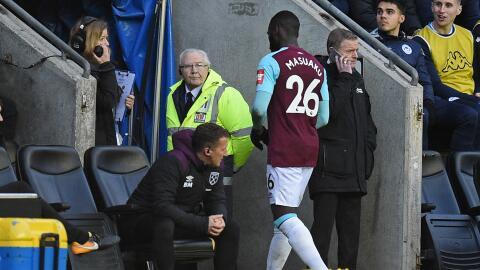 Arthur Masuaku del West Ham se fue expulsado en un partido de la FA Cup.