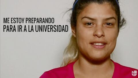 Cassandra está en medio del estrés de aplicar a la universidad. Pero su...