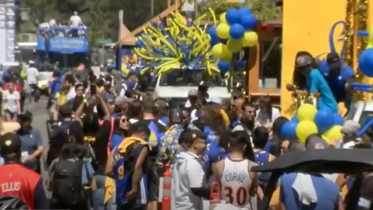 EN VIVO: ¡Todo listo para El Desfile de Campeones de los Golden State Wa...