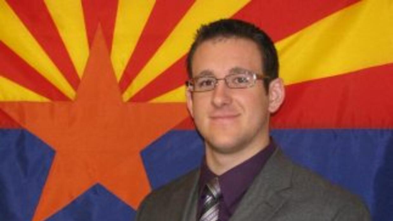 El oficial de policía asesinado, Tyler Stewart. (Imagen tomada del sitio...
