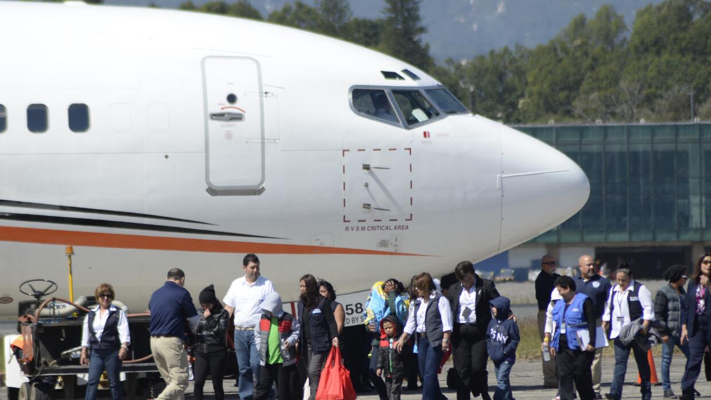 Grupo de deportados llegando a Guatemala, a principios de este año