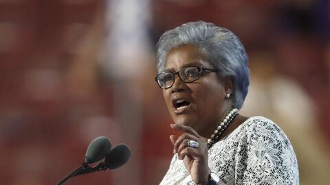 Donna Brazile, presidenta interina del Comité Nacional Dem&oacute...