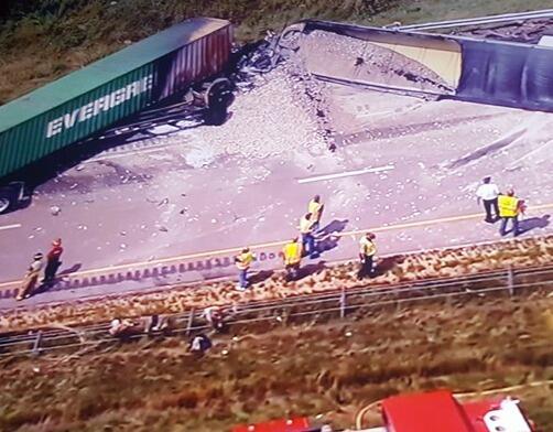 Al menos una persona muerta en un choque ocurrido en la I-80 este lunes....