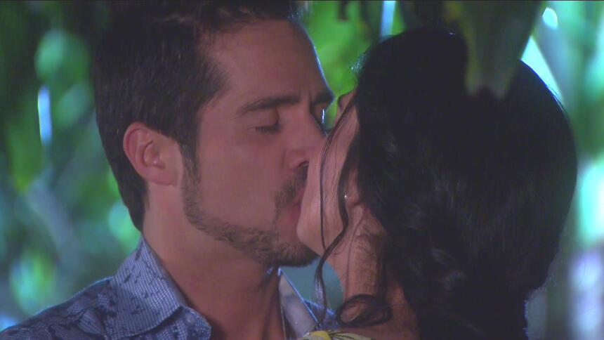 ¡Pedro y Fiorella se van a casar! 0ACE0A54DBFD40DBA86A7C900163ED29.jpg