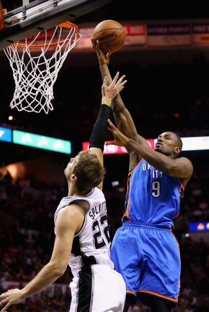 Por parte del Thunder, Kevin Durant marcó 25 puntos y Russell Westbrook...
