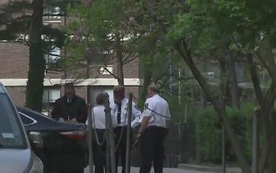 Interrogan a dos jóvenes sorprendidos con armas cargadas dentro de su es...