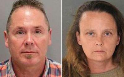 Michael Kellar (i) y Gail Burnworth (d), acusados de abusos sexuales con...