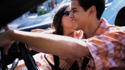 El 63% de los teens admitió usar el teléfono mientras conduce y uno de c...