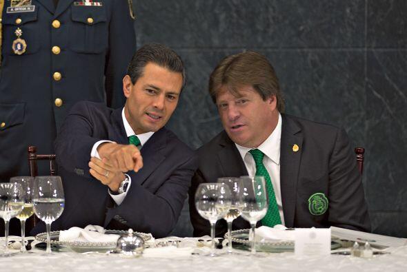 El Presidente de México, Enrique Peña Nieto, aplaudió que exista continu...