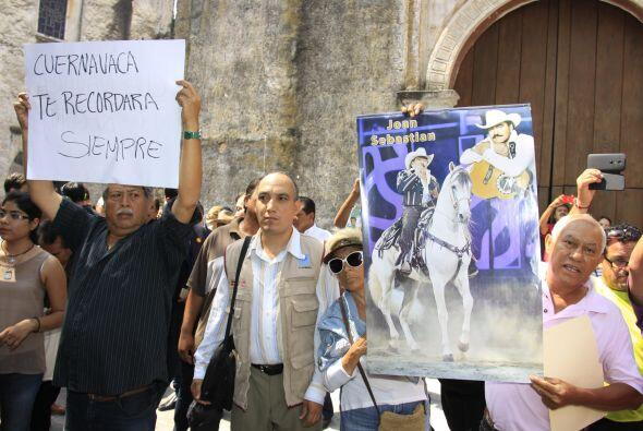 Los carteles con sus fotos y su característico caballo se veían por todo...