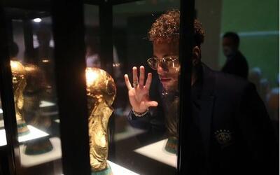 Neymar hará hasta lo imposible por tener la Copa del Mundo en sus...