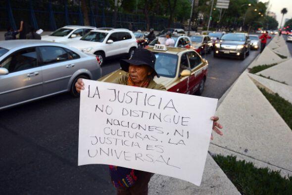 No sólo en la ciudad de México hubo protestas, tambien en Cuernavaca, un...