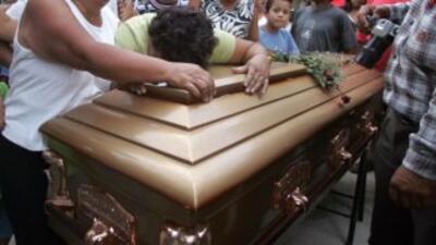 Una mujer hondureña murió tras ser deportada de Estados Unidos.