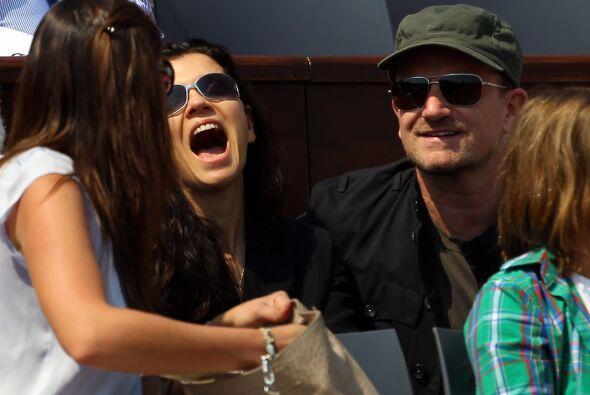 Otra celebridad en Montecarlo, el cantante del grupo irlandés U2,...