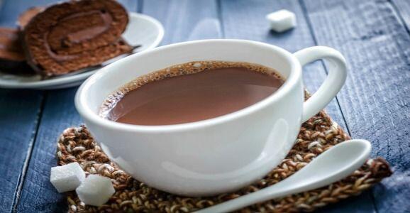 6. Si vas a preparar un delicioso chocolate caliente, utiliza leche desc...