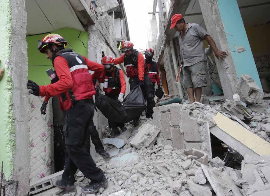 Las imágenes que nos deja el potente terremoto en Ecuador  ecuador20jpg.jpg