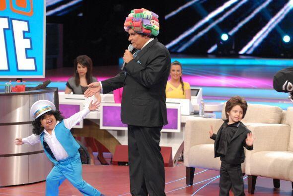 Con ayuda del 'aplausómetro' se decidió que Rogelio era el ganador del p...