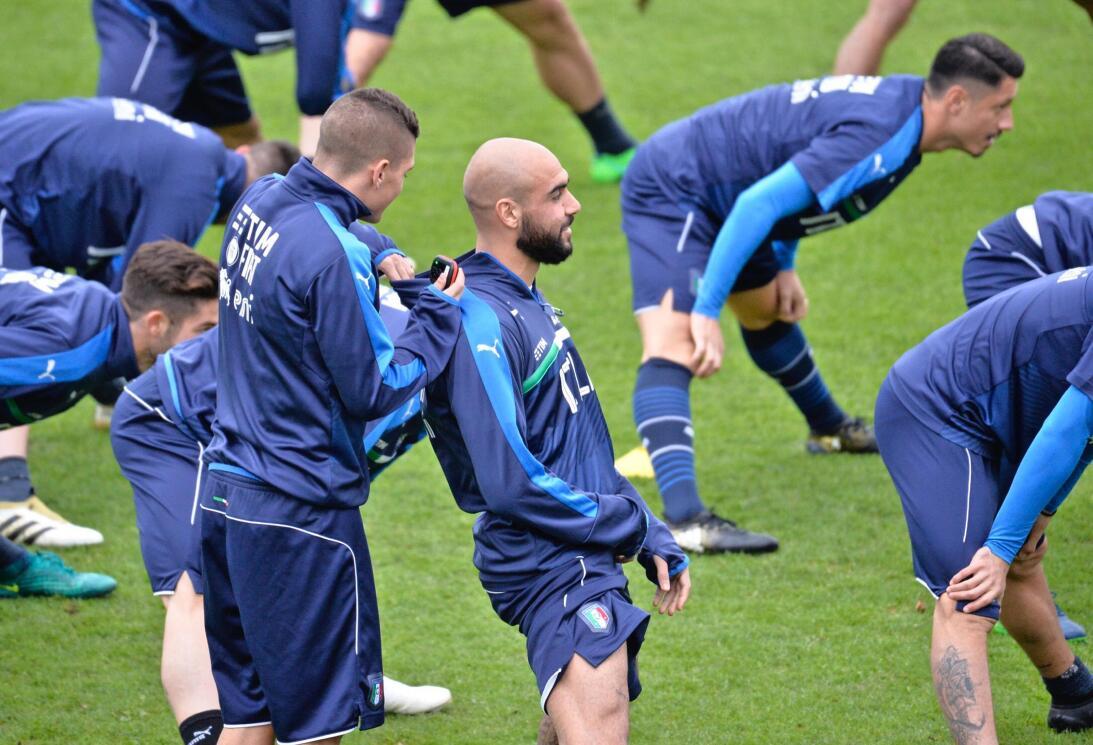 Así entrenan los europeos para las eliminatorias de la UEFA AP_163135696...