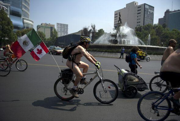 La avenida Reforma se llenó el fin de semana con estos llamativos ciclis...