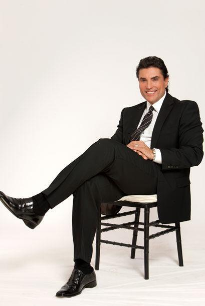 Osvaldo Ríos, es Osvaldo Sandoval, un actor maduro que está casado con V...