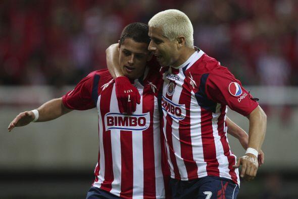 'Chicharito' se despidió de su amado club en un partido entre el 'Man-U'...